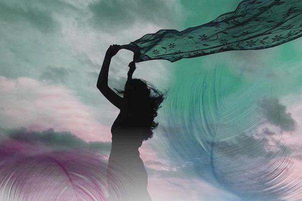 Mujer velo al viento