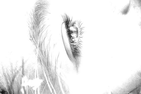 ojo mujer tumbada